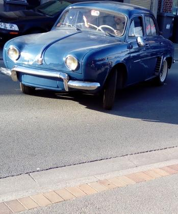 Dauphine 1957, Renault