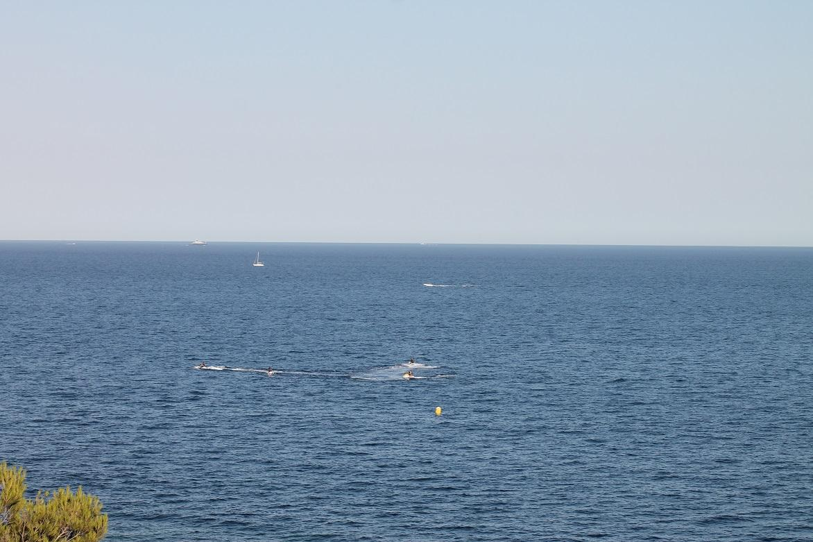 Jets-ski in the Bay