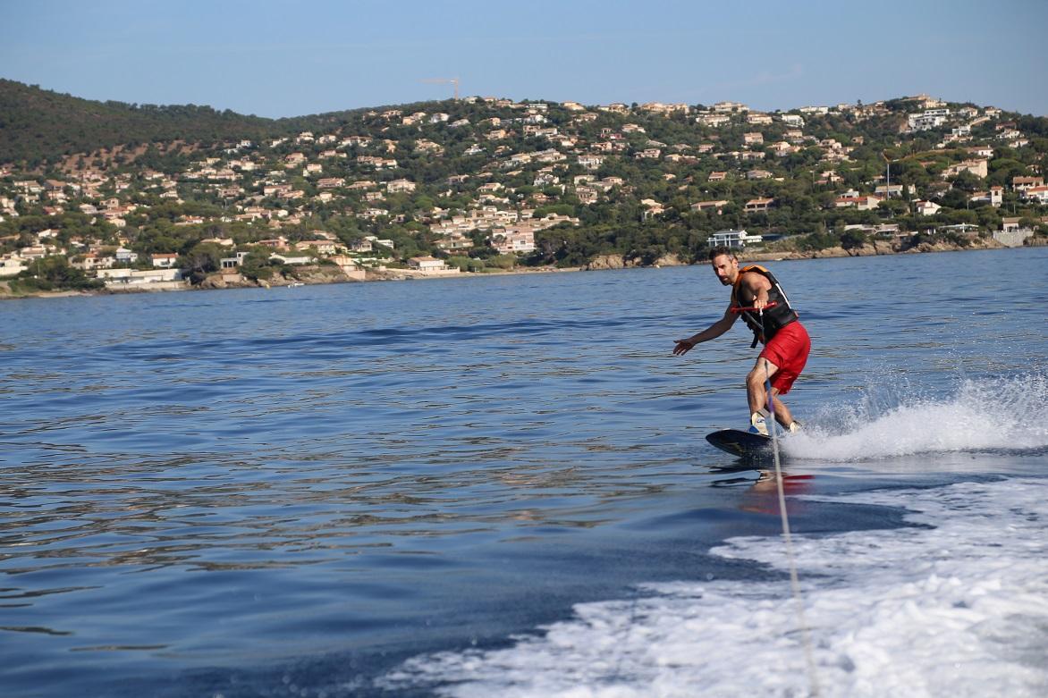 Skate board in the Boucharel bay
