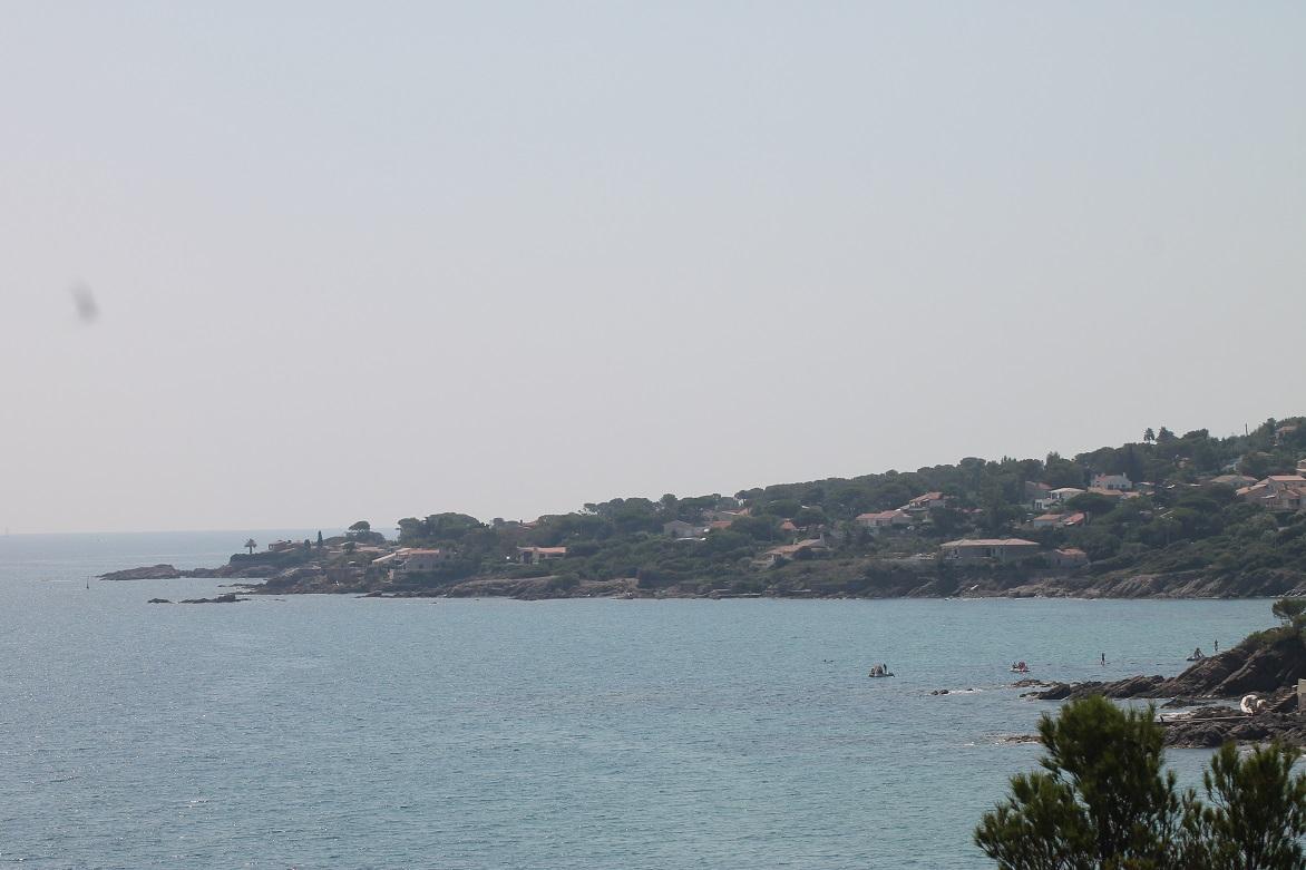 Paddle along the coast