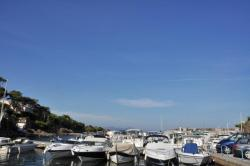 Port Ferreol, 800m from the villa Martinache
